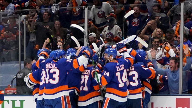 """""""Islanders"""" atspēlējas un papildlaikā uzvar, sērijā būs nepieciešama septītā spēle"""