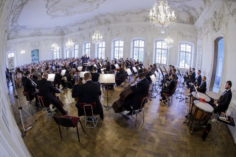 Augustā ar 5 koncertiem Rundāles pilī skanēs Liepājas vasara