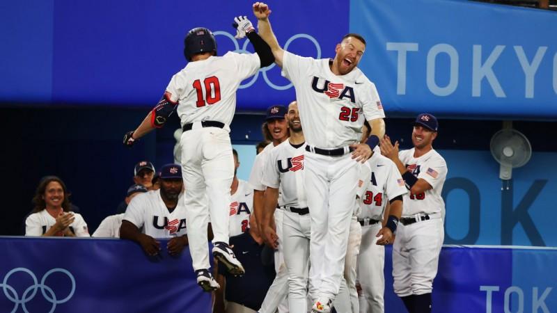 ASV un Japānas beisbolisti izcīna divas uzvaras, uzvarot apakšgrupās